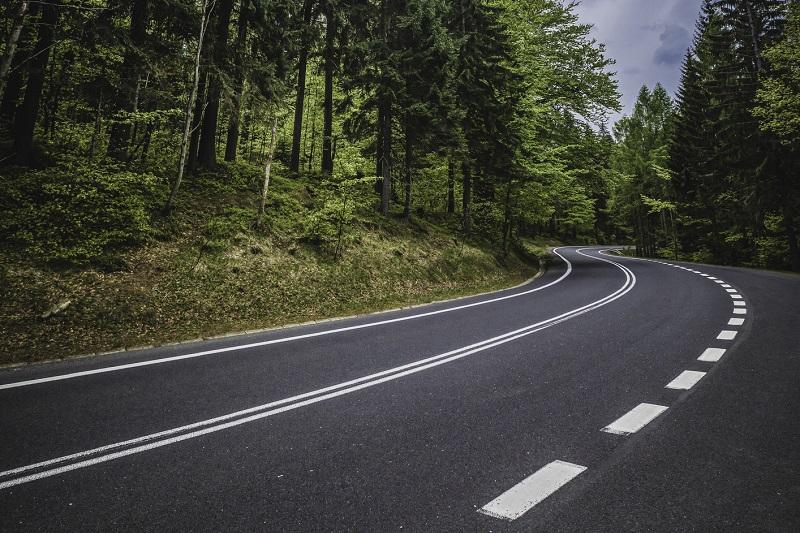 Jak podnieść bezpieczeństwo nawierzchni na polskich drogach?